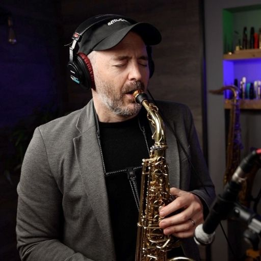 Jay Metcalf with Burnin alto sax mouthpiece